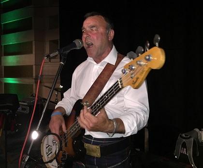 Calum McKenzie Singing with Cutting Edge Ceilidh Band