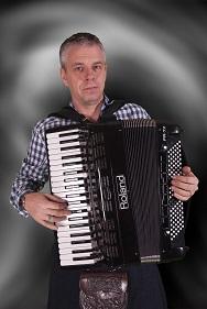 cutting edge ceilidh band accordion